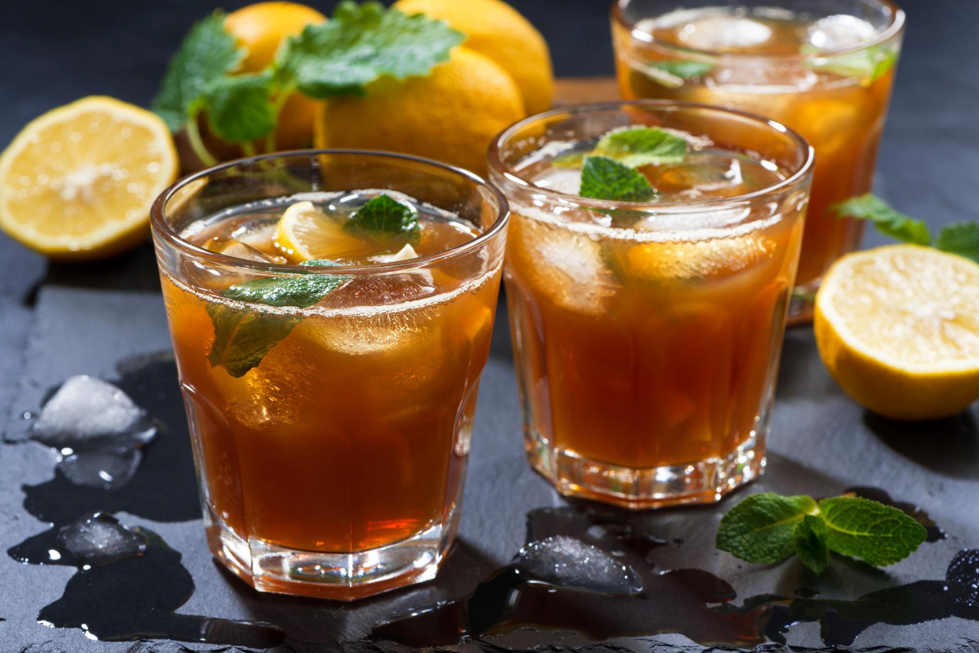 Ice tea met munt en citroen